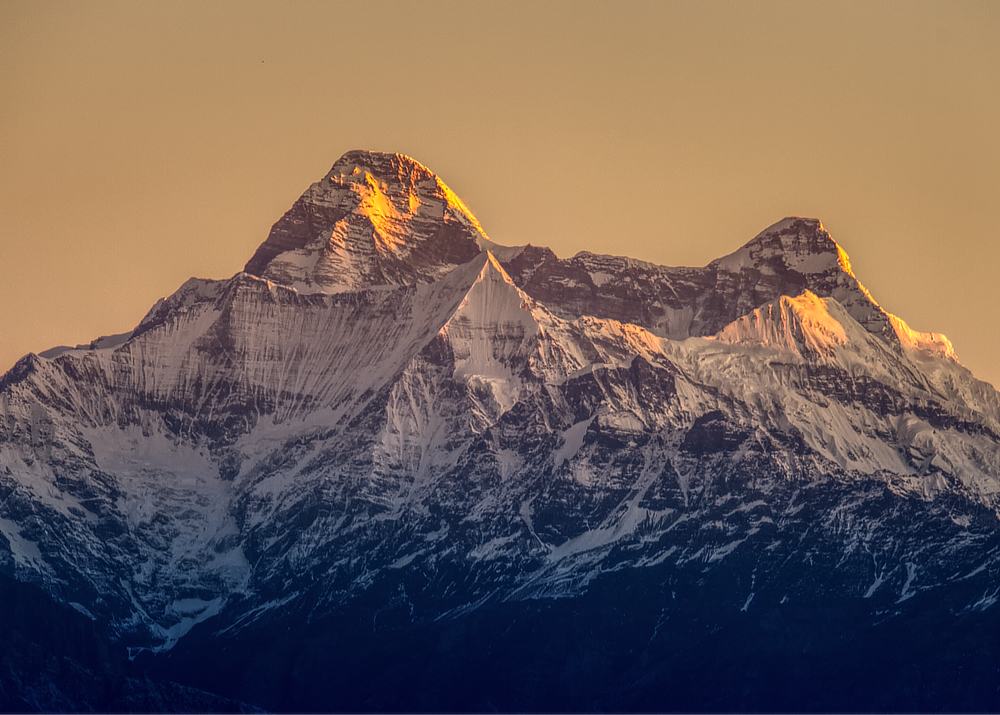First rays of light on Nanda Devi peak