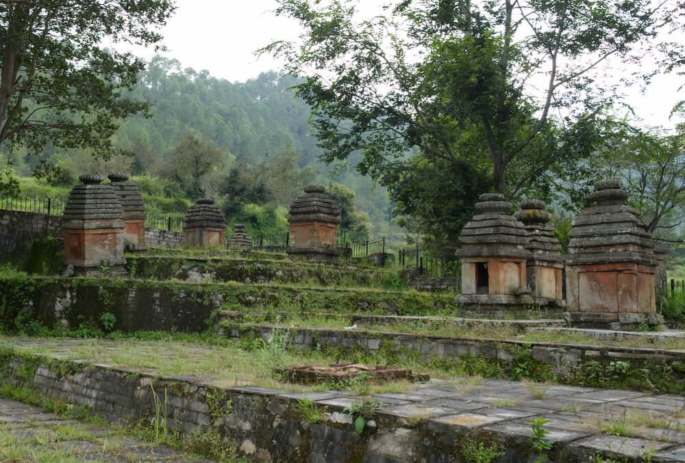 Small temples near Trinetra Mahadeva
