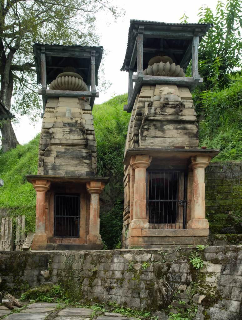 Temples near Trinetra Mahadeva